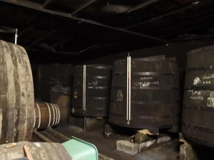 コニャックを熟成する樽